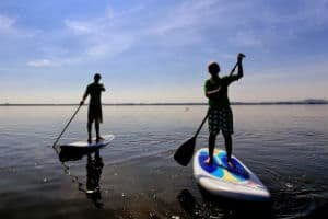 Lerne das Stand Up Paddle bei uns und leihe dir die Board aus!